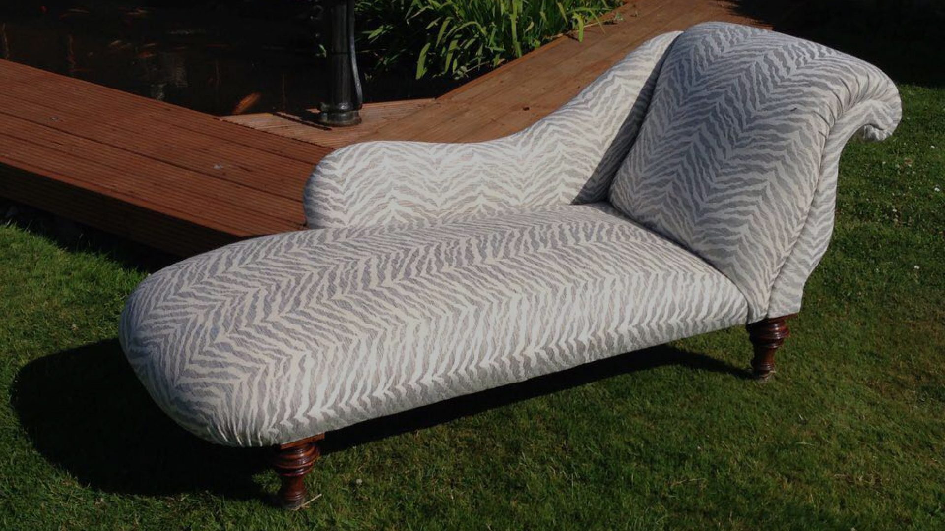 Quinceys Upholstery